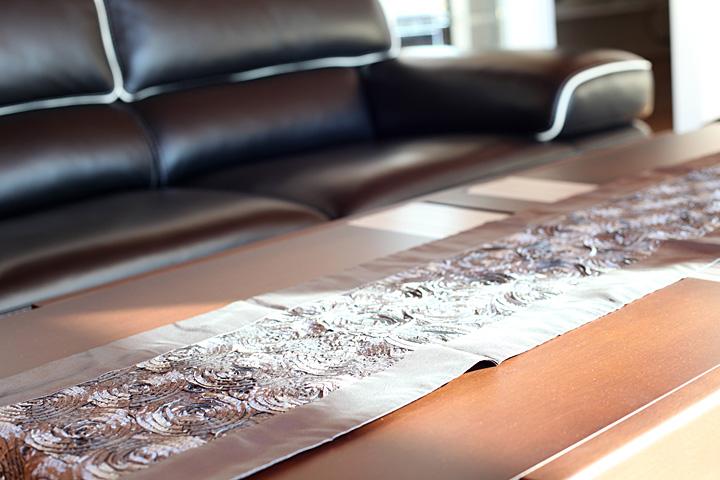 テーブル 高さ調節可能